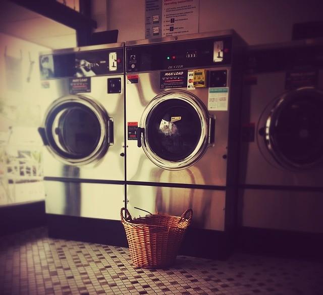 Laundromat, Laundry