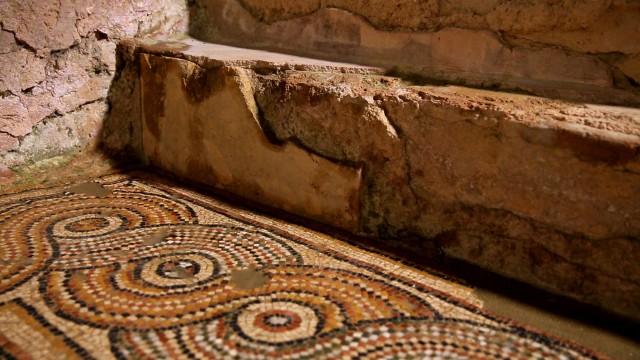ELUSA Capitale antique